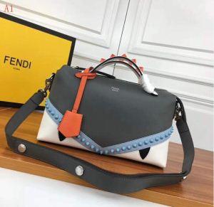 格好良いアイテム FENDI フェンディ 2020新品入荷  ショルダーバッグ 2色可選 美品*入手困難(hiibuy.com mSX1rC)-3