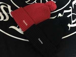 軽くて保温性の高いSUPREMEシュプリーム 通販ニット帽偽物 ボックスロゴ ポンポン付き ブラック 赤色2色可選 男女兼用(hiibuy.com CCSTfe)-3