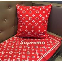 SUPREME 枕を抱く 2020秋冬最重要アイテム シュプリーム 例年のようにすぐに品薄になる秋冬新作(hiibuy.com 0z41by)-1