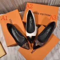 日常的なスタイルよくなる限定品 Louis Vuitton レザー ブーツ レディース ルイ ヴィトン 靴 サイズ感 スーパーコピー 品質保証(hiibuy.com W591je)-1