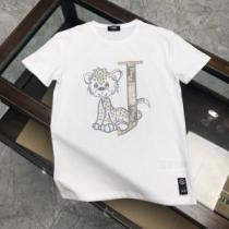 3色可選 価格帯が低い フェンディ FENDI 非常にシンプルなデザインな 半袖Tシャツ 幅広いアイテムを展開(hiibuy.com Lzqeeq)-1