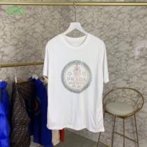 手頃価格でカブり知らず プラダ PRADA 2色可選 半袖Tシャツ 通勤通学どちらでも使え(hiibuy.com a4Lvmy)-1